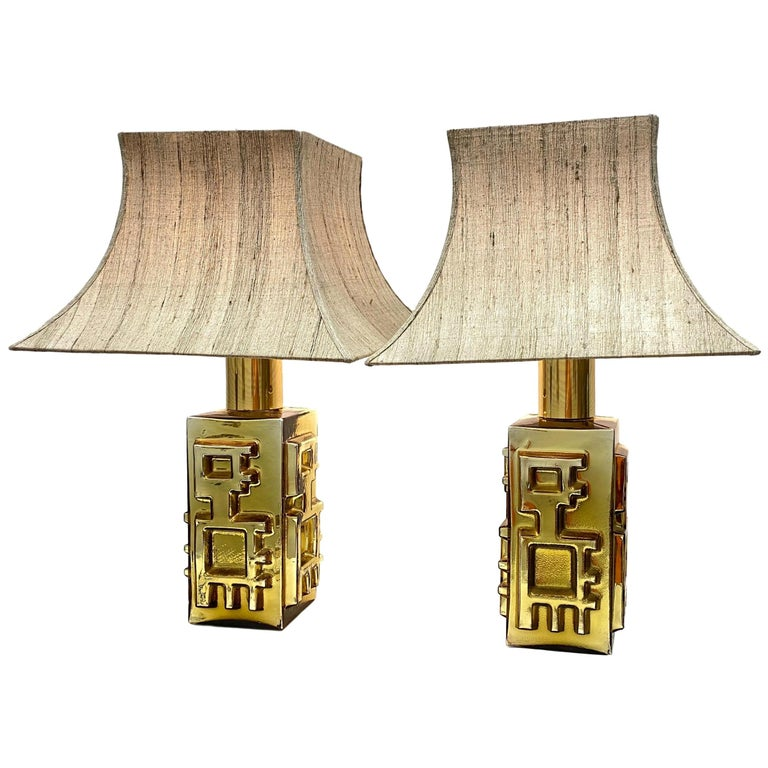 Monumental Pair of Table Lamps Gold Colored Glass Pagoda Shades Vintage, Italy