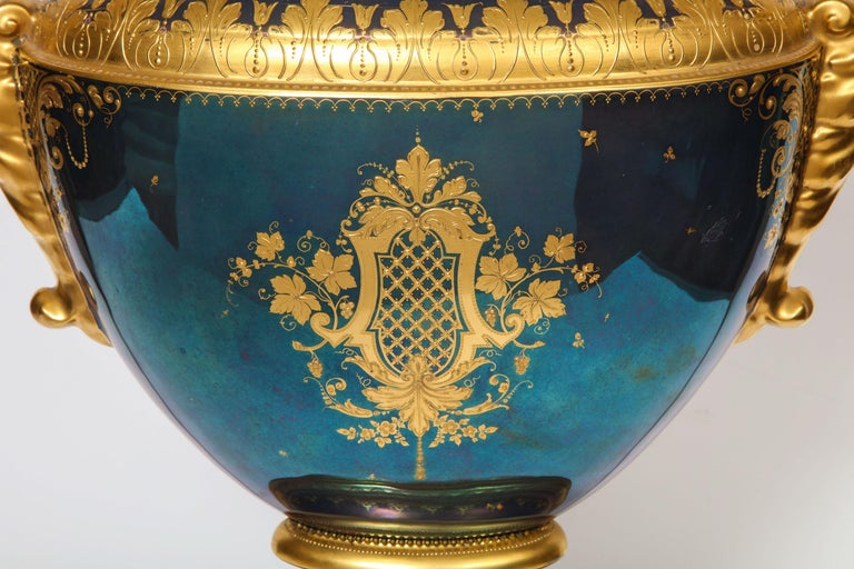 Monumental Royal Vienna Iridescent Porcelain Portrait Vase and Cover, Wagner For Sale 5