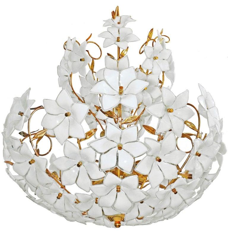 Monumental Modernist Italian Murano Venini Style Flower Glass Gilt Chandelier In Good Condition In Coimbra, PT