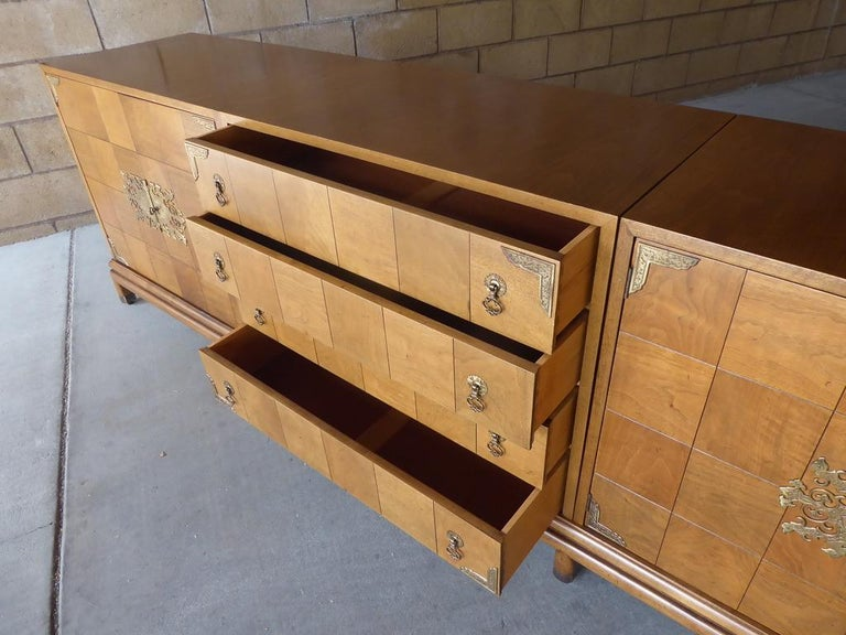 Monumentally Scaled Midcentury Credenza Designed by Renzo Rutili, circa 1960 For Sale 9