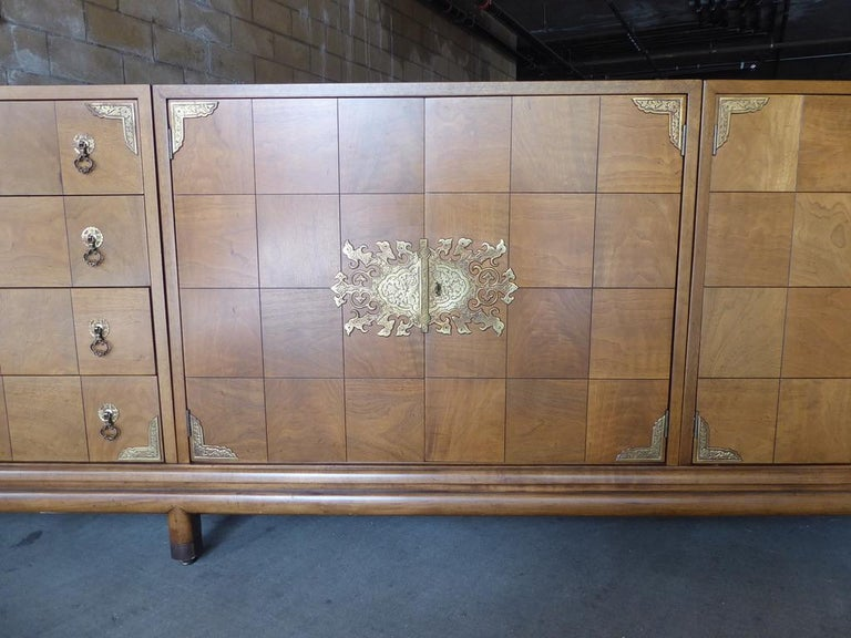 Monumentally Scaled Midcentury Credenza Designed by Renzo Rutili, circa 1960 For Sale 2