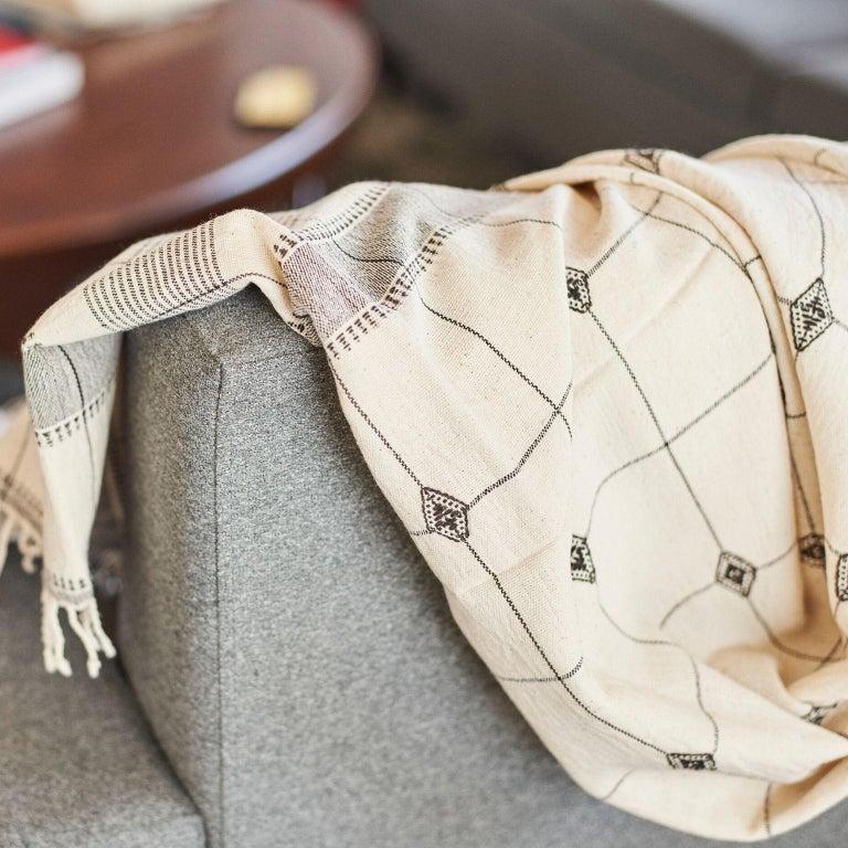 Modern Mool Handloom King Size Bedpsread Coverlet Black & White, in Organic Cotton For Sale