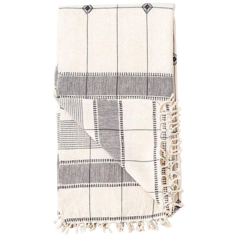 Mool Handloom Throw  / Blanket in Organic Cotton For Sale