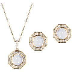 Goshwara Pendant Necklaces
