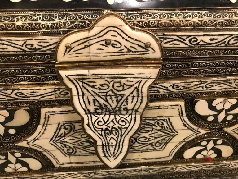 Moorish Moroccan Chest or Jewelry Box in Cameal Bone and Brass Inlaid For Sale