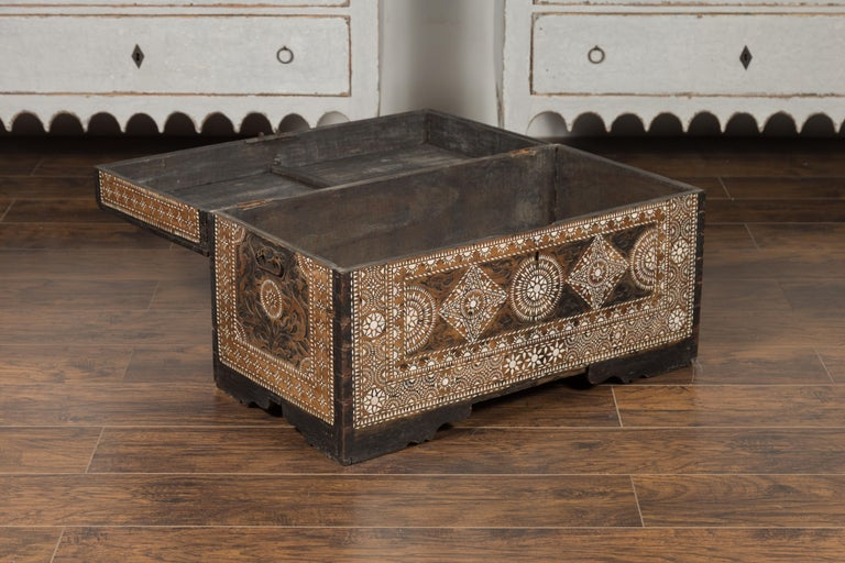 Moorish Style 1920s Blanket Chest with Geometric Mother of Pearl Inlaid Decor For Sale 6