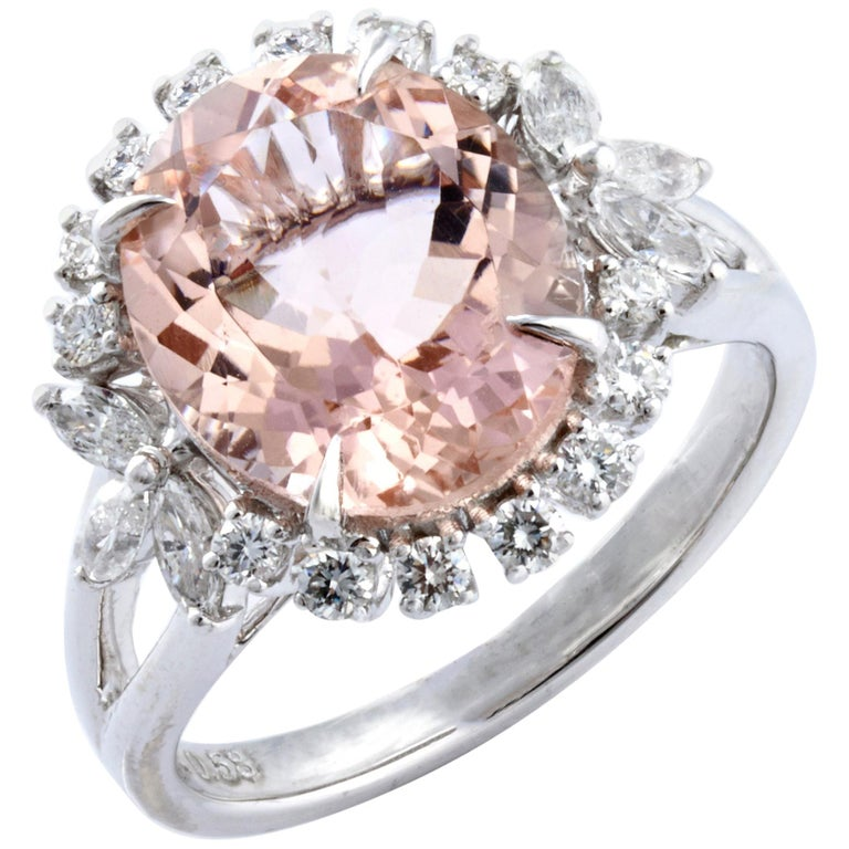 Morganite Diamond Fashion Ring Set in 18 Karat White Gold 'VS/G Diamonds' For Sale