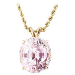 Morganite Gemstone Pendant in Gold 14 Carats
