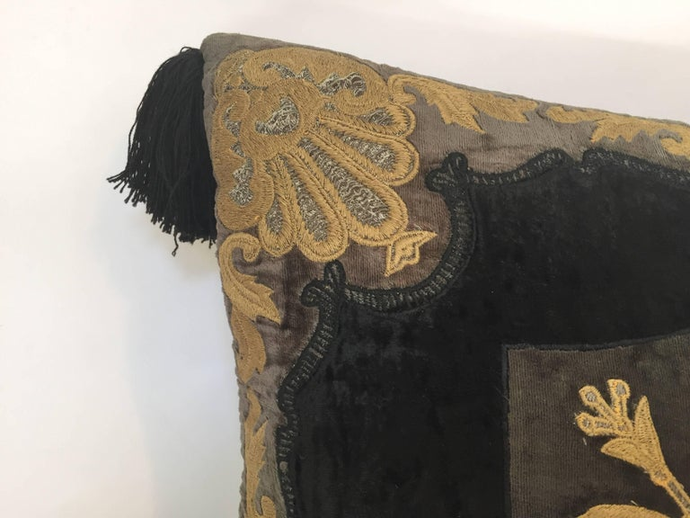 Moroccan Black Silk Decorative Pillow with Gold Metallic Threads and Tassels In Good Condition For Sale In North Hollywood, CA