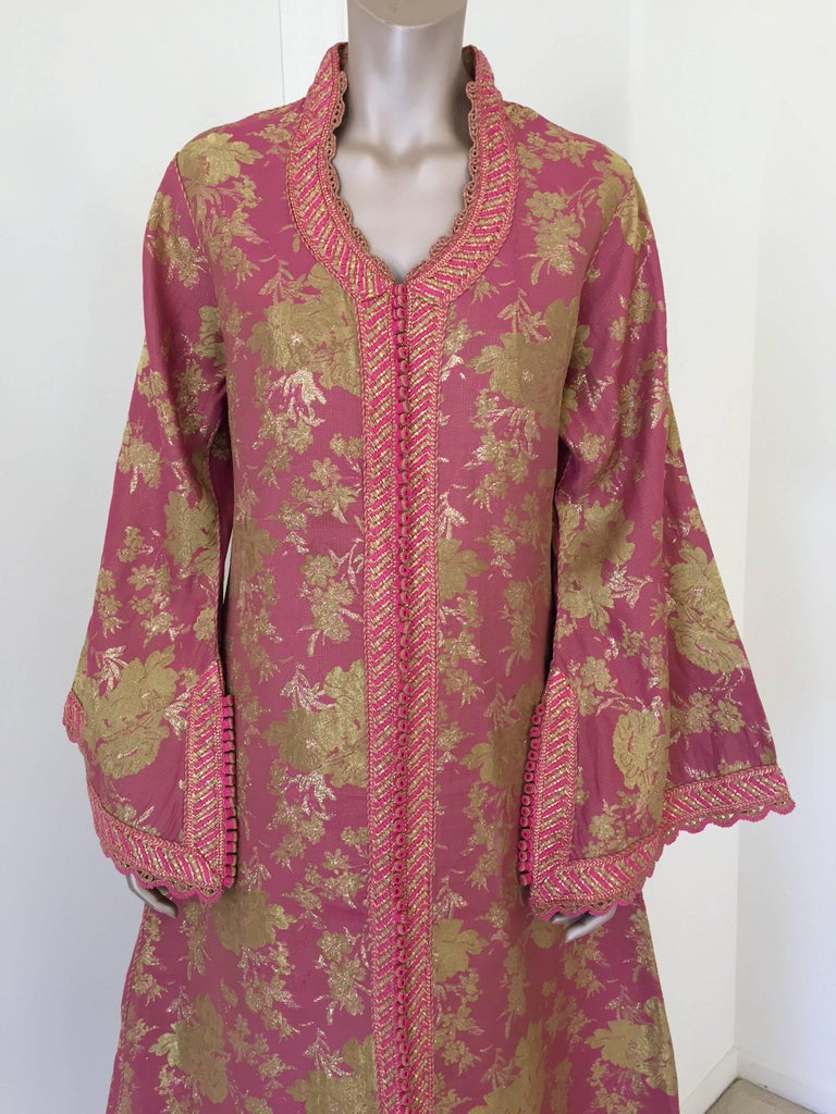 Moorish Moroccan Brocade Caftan, African Kaftan Embroidered in Gold and Pink Trim For Sale
