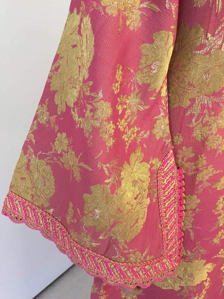 20th Century Moroccan Brocade Caftan, African Kaftan Embroidered in Gold and Pink Trim For Sale