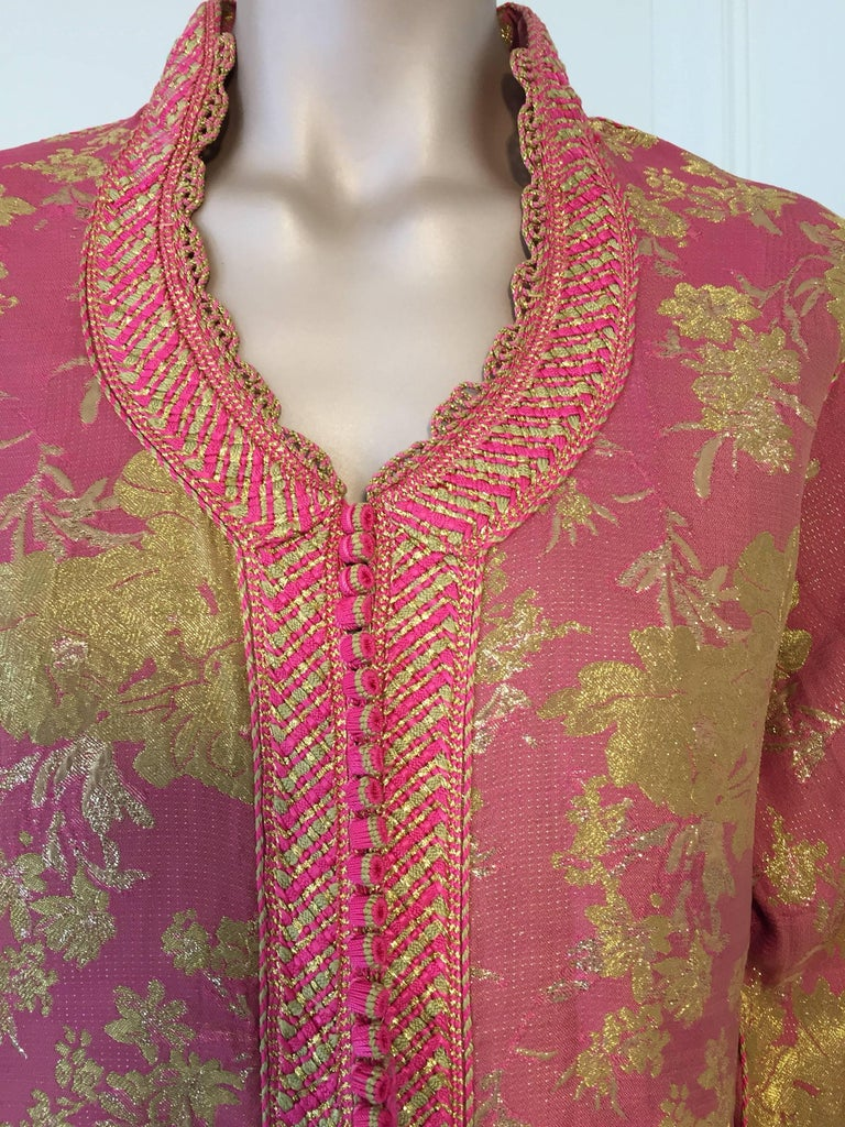 Moroccan Brocade Caftan, African Kaftan Embroidered in Gold and Pink Trim For Sale 1