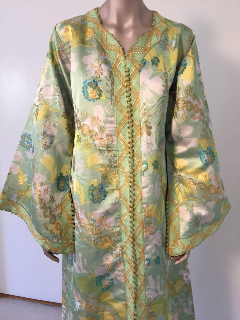 Moroccan Caftan Green and Gold Metallic Floral Brocade Maxi Dress Kaftan In Excellent Condition In North Hollywood, CA