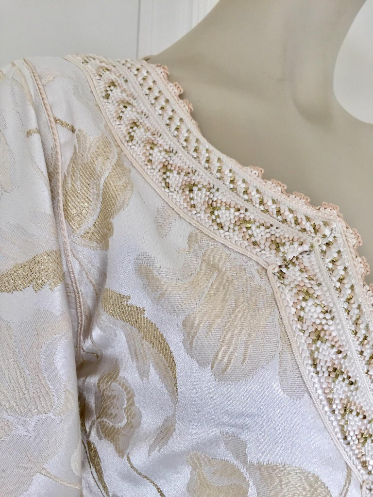 Moroccan Caftan White Ivory and Gold Brocade Kaftan For Sale 4