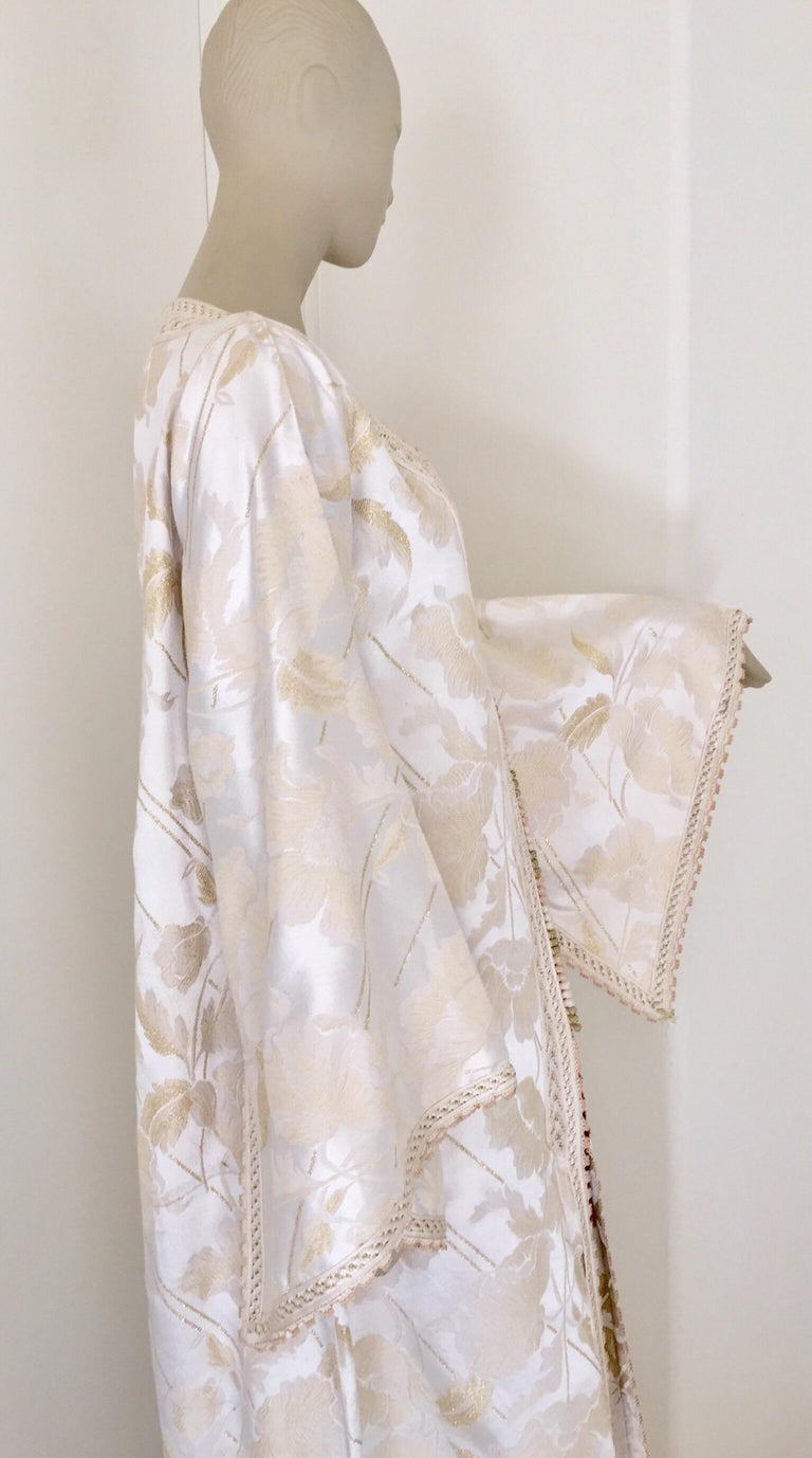 Moroccan Caftan White Ivory and Gold Brocade Kaftan For Sale 6