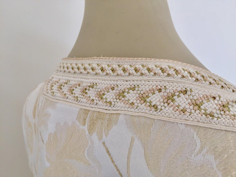 Moroccan Caftan White Ivory and Gold Brocade Kaftan For Sale 7