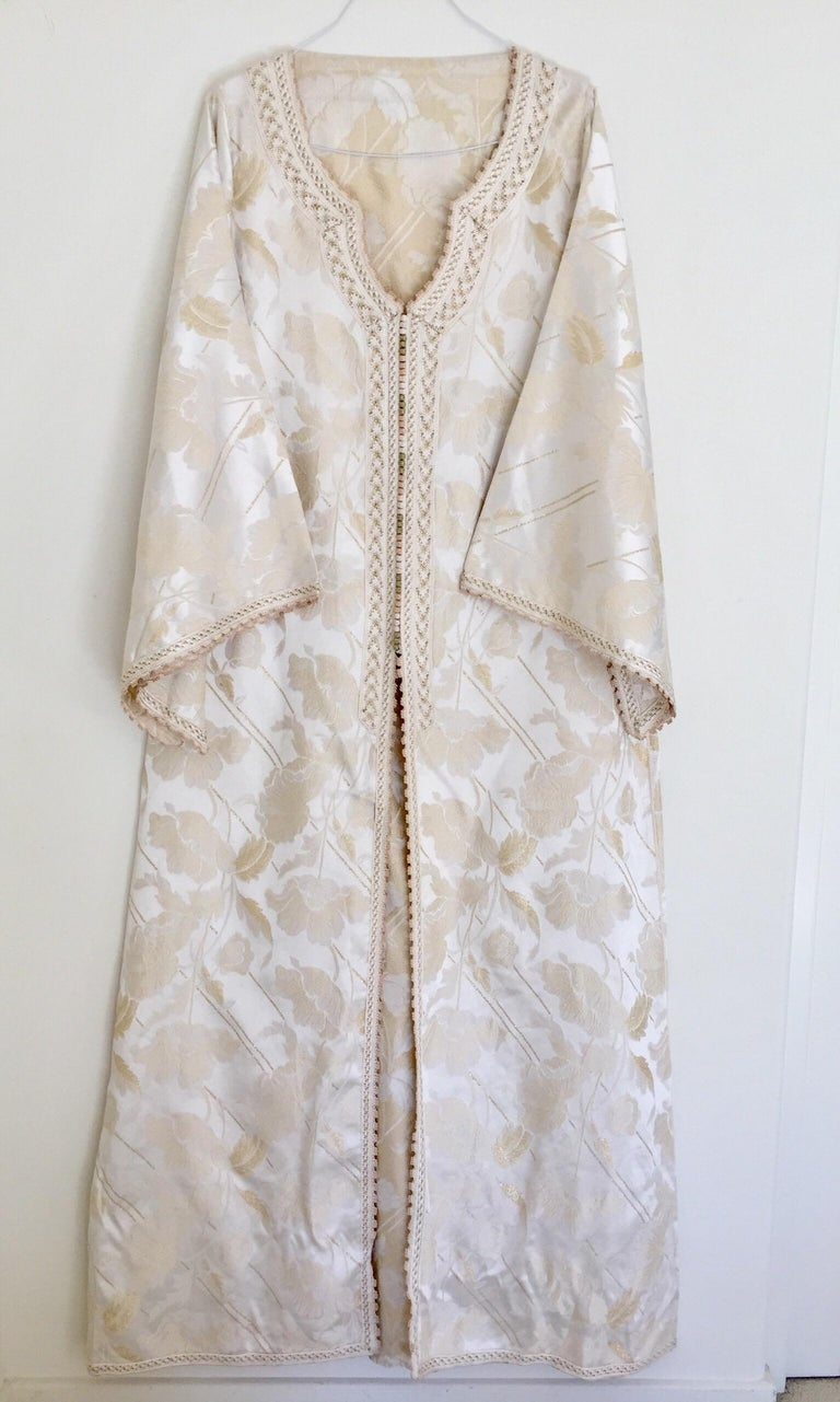 Moroccan Caftan White Ivory and Gold Brocade Kaftan For Sale 9