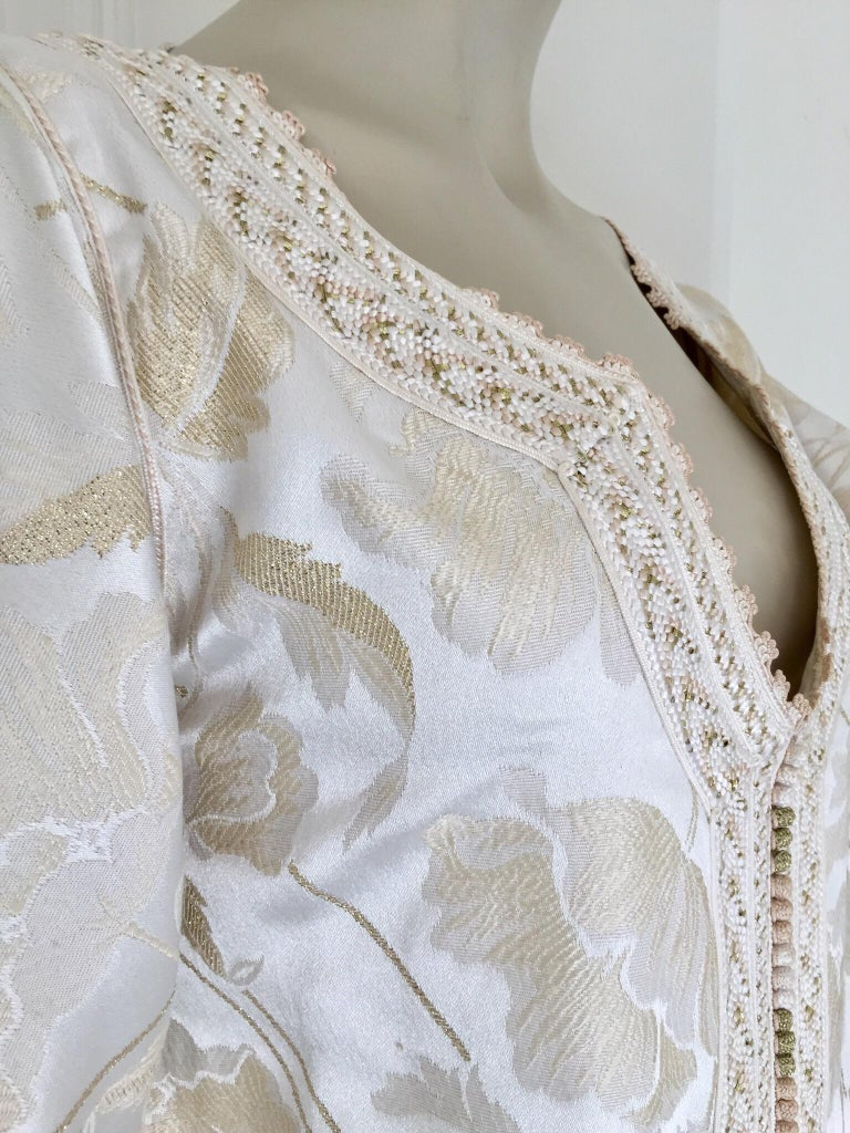 Moroccan Caftan White Ivory and Gold Brocade Kaftan For Sale 11
