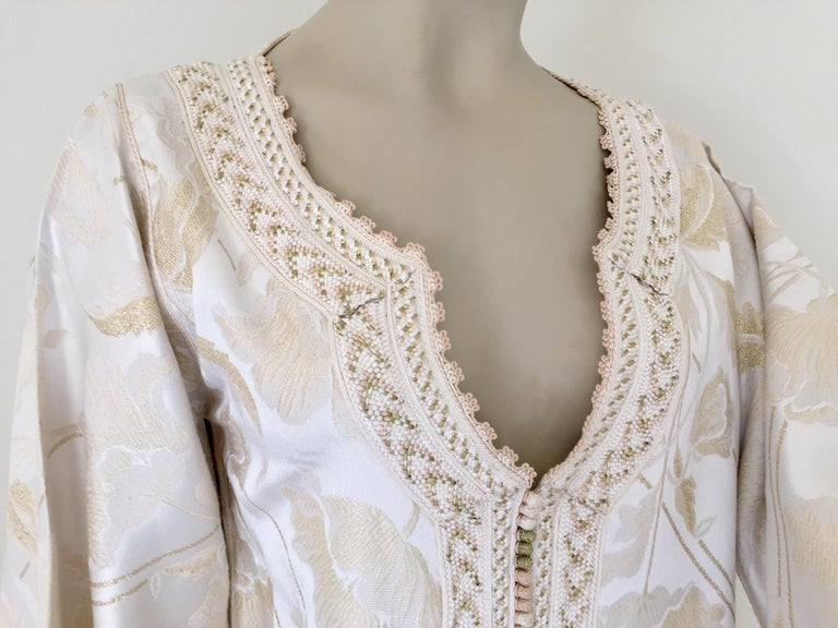 Hand-Crafted Moroccan Caftan White Ivory and Gold Brocade Kaftan For Sale