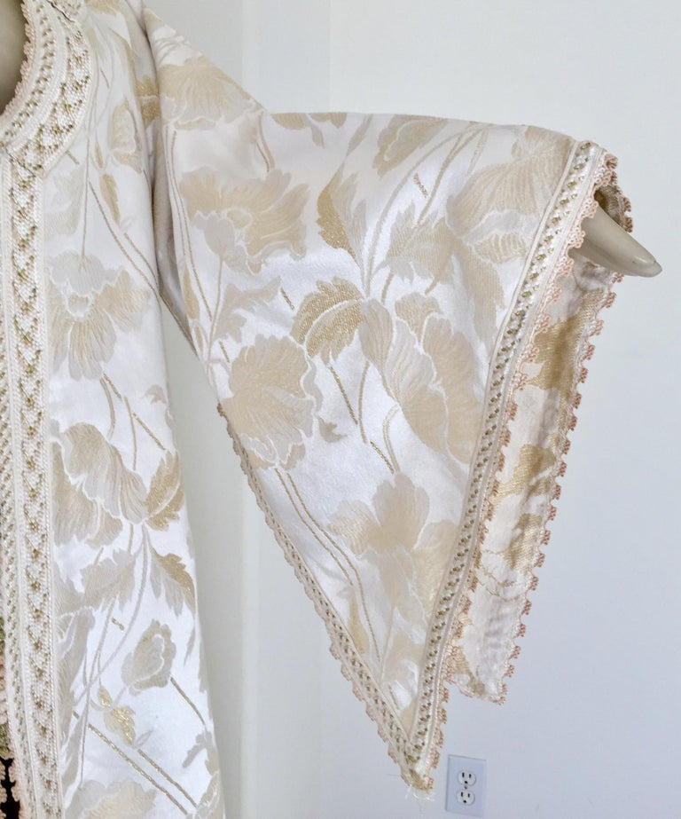 20th Century Moroccan Caftan White Ivory and Gold Brocade Kaftan For Sale