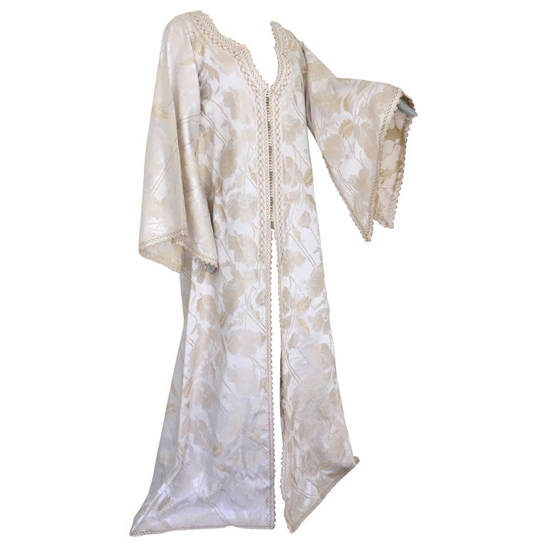 Moroccan Caftan White Ivory and Gold Brocade Kaftan For Sale