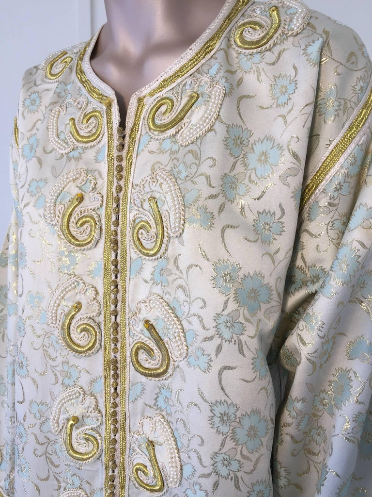 20th Century Moroccan Caftan, White Floral Brocade Kaftan Embroidered with Gold Threads For Sale