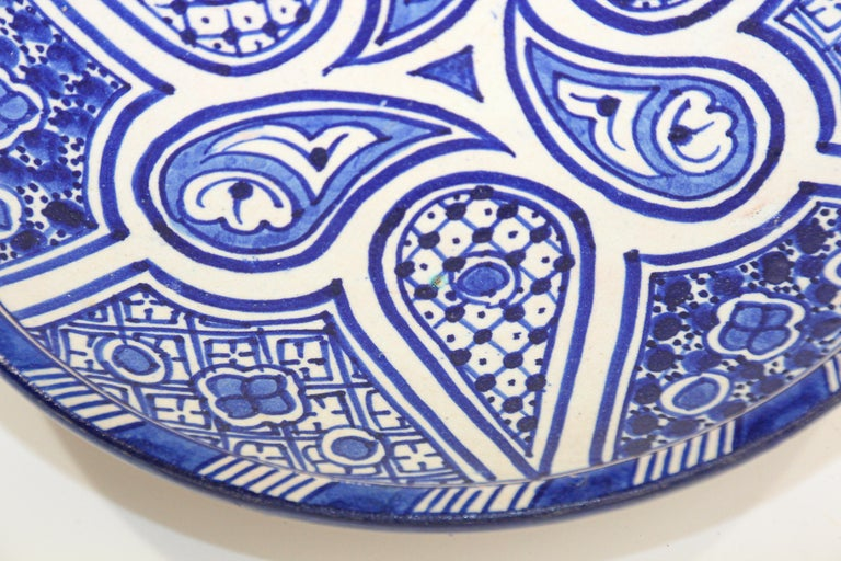 20th Century Moroccan Ceramic Plate Blue and White Handcrafted in Fez For Sale