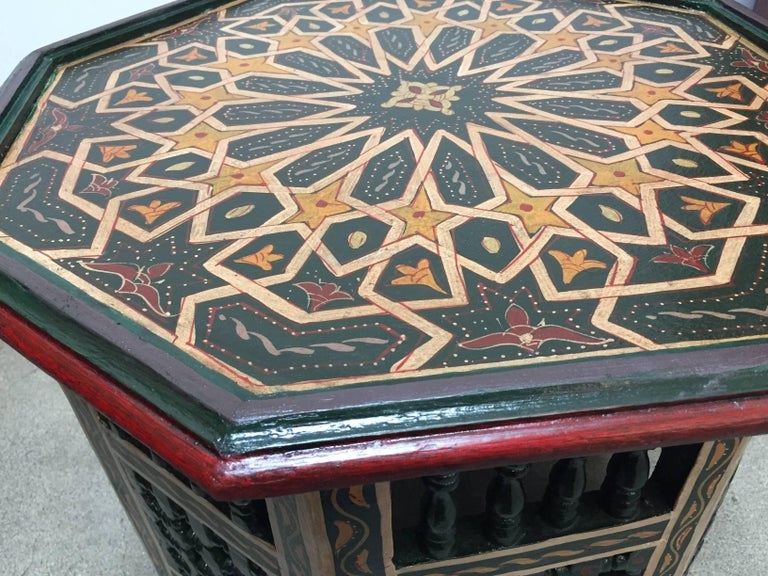 Moroccan Hand-Painted Dark Green Octagonal Side Table In Good Condition In North Hollywood, CA