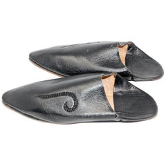 Moroccan Hand Tooled Black Leather Slippers Pointed Shoes