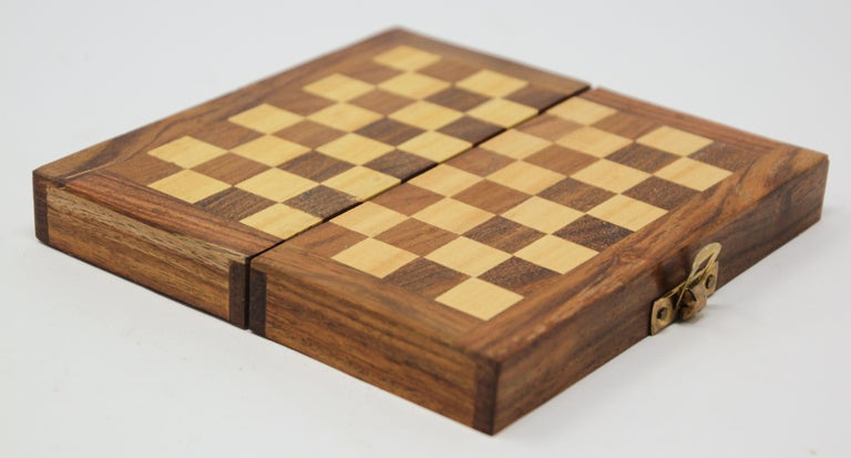 Moroccan Handcrafted Chess Thuya Wood Box In Good Condition For Sale In North Hollywood, CA
