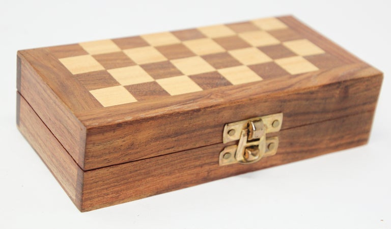 Moroccan Handcrafted Chess Thuya Wood Box For Sale 1