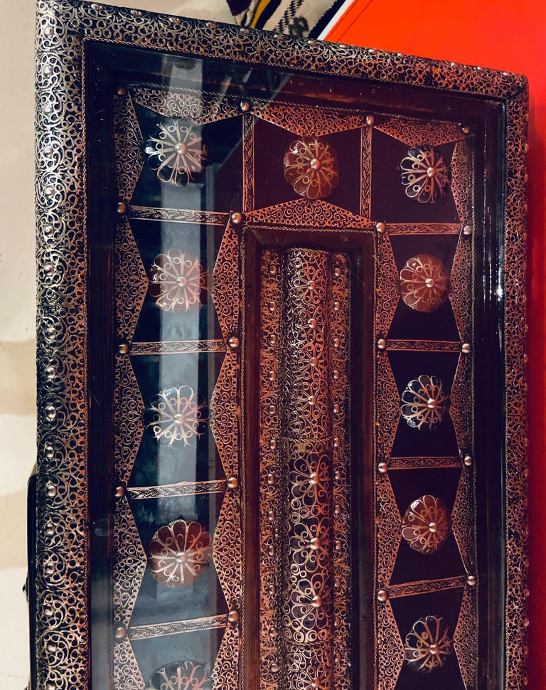 Moroccan Hollywood Regency Style Console & Mirror in Filligree Brass & Stones For Sale 3