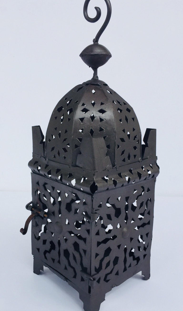 Moroccan Hurricane Metal Candle Lantern Indoor or Outdoor In Good Condition For Sale In Los Angeles, CA