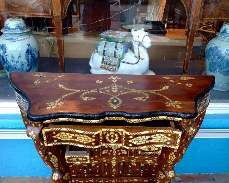 Moroccan Inlaid Console In Good Condition For Sale In West Palm Beach, FL