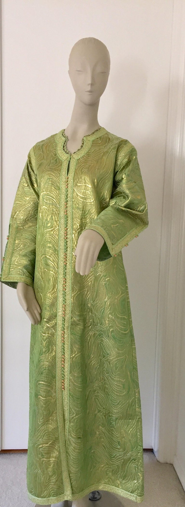 Moroccan Kaftan in Green and Gold Brocade Metallic Lame For Sale 3