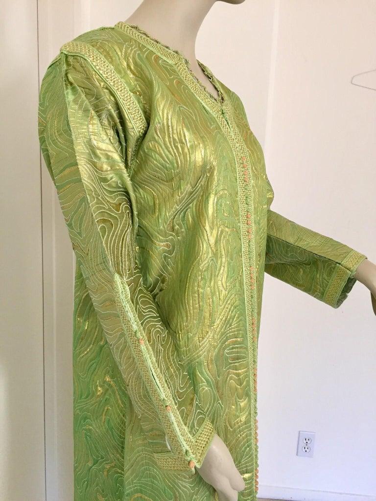 Moroccan Kaftan in Green and Gold Brocade Metallic Lame For Sale 5