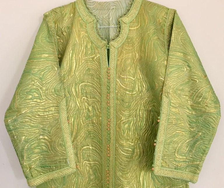 Moroccan Kaftan in Green and Gold Brocade Metallic Lame For Sale 7