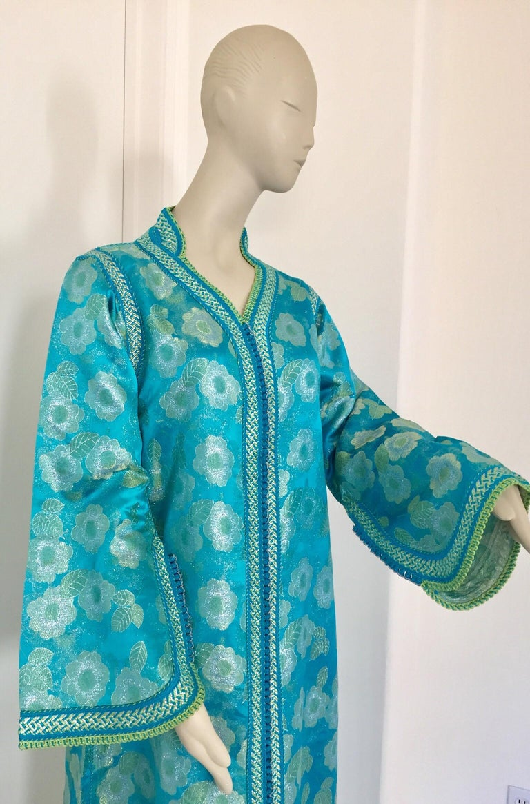 Moroccan Kaftan in Turquoise and Gold Floral Brocade Metallic Lame For Sale 3