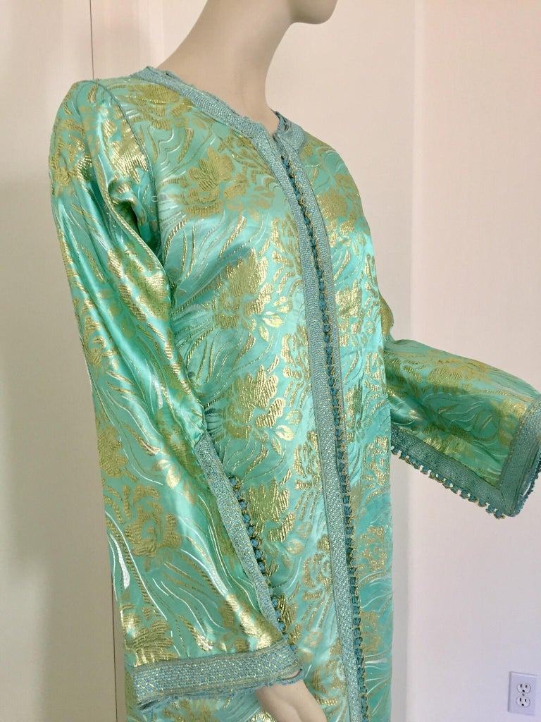 Moroccan Kaftan in Turquoise and Gold Floral Brocade Metallic Lame For Sale 4
