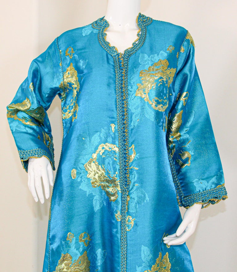 Moroccan Kaftan in Turquoise and Gold Floral Brocade Metallic Lame For Sale 10