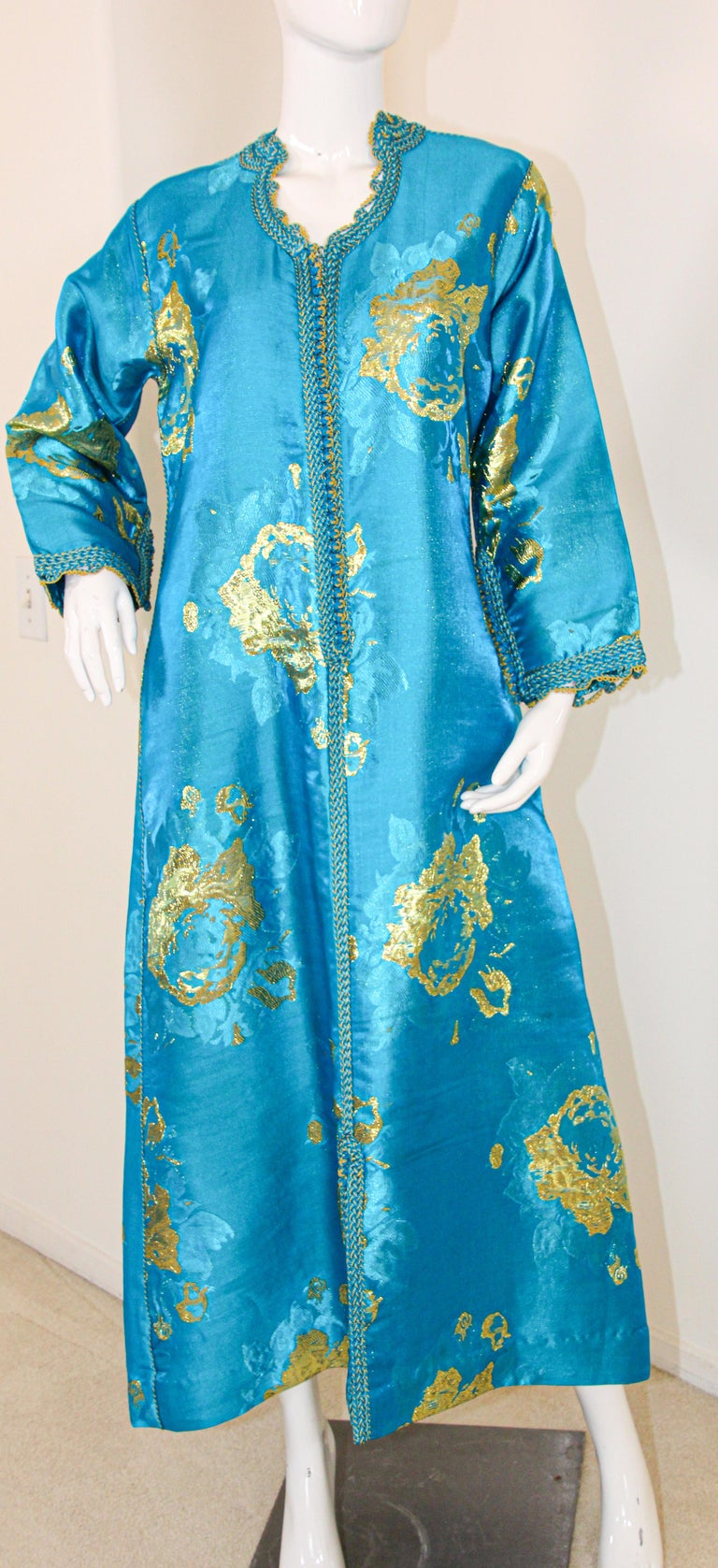 Moroccan Kaftan in Turquoise and Gold Floral Brocade Metallic Lame For Sale 12