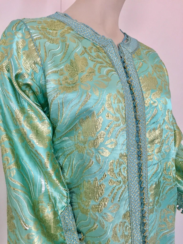 Moroccan Kaftan in Turquoise and Gold Floral Brocade Metallic Lame For Sale 2