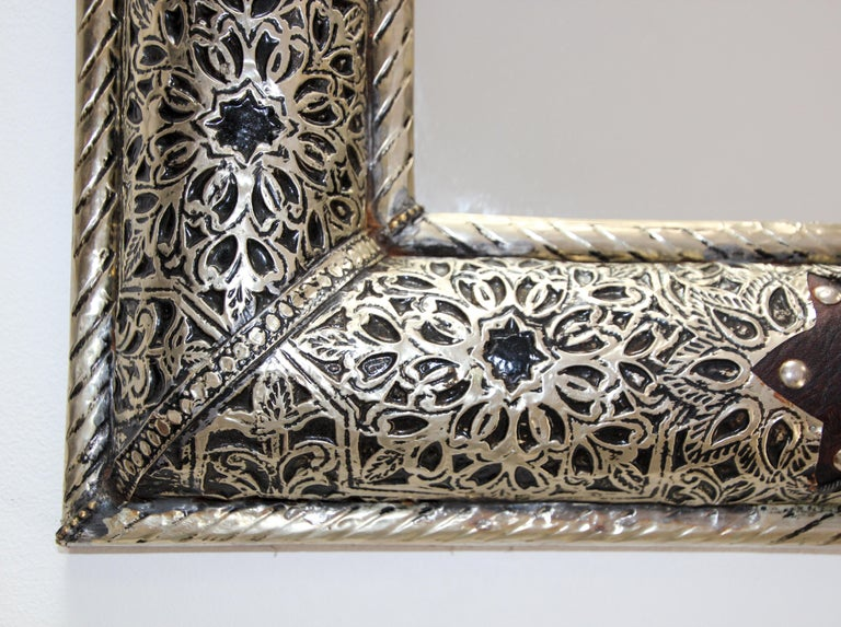 Moroccan Mirror with Silver Filigree and Repousse Metal For Sale 5