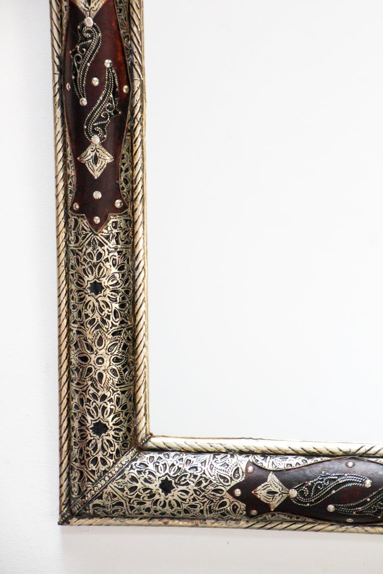 Moroccan Mirror with Silver Filigree and Repousse Metal For Sale 11