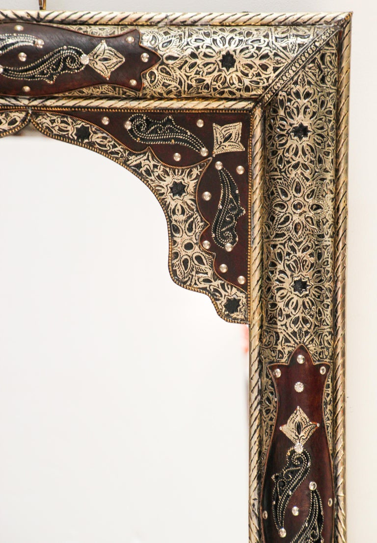 Moroccan Mirror with Silver Filigree and Repousse Metal For Sale 13