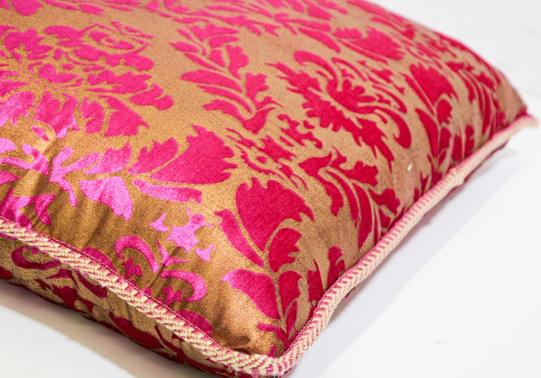 Moroccan Oversized Pink and Gold Floor Pillow Cushion In Good Condition For Sale In North Hollywood, CA