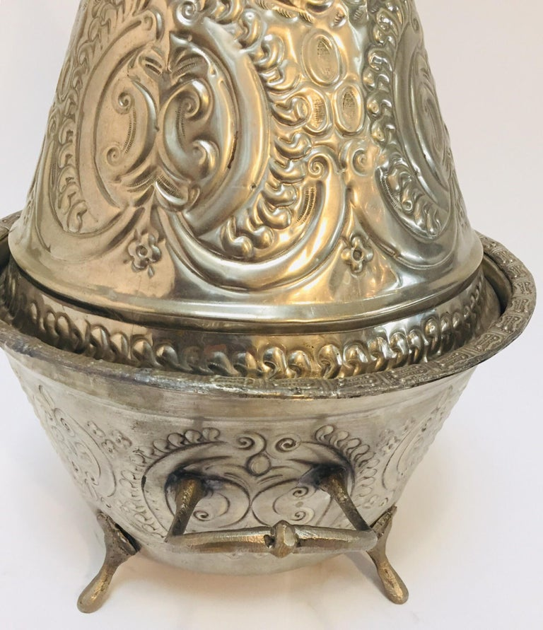 Moroccan Silver Repousse Plated Serving Dish Tajine with Cover In Good Condition For Sale In North Hollywood, CA
