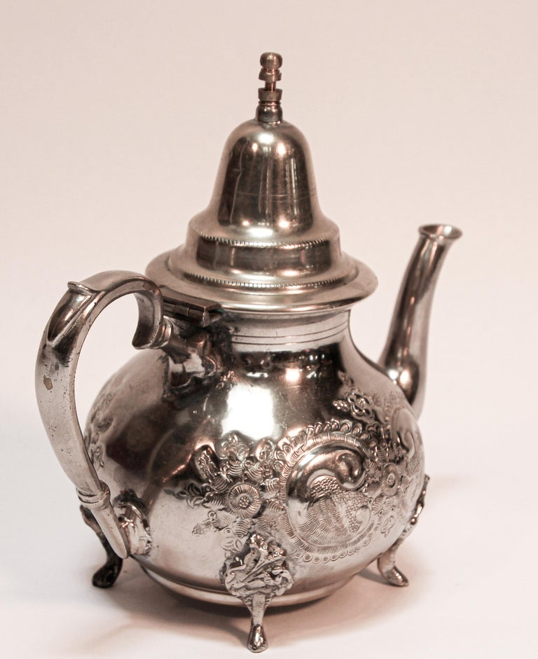 Moroccan Silver Plated Tea Pot In Good Condition For Sale In North Hollywood, CA