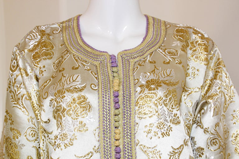 Moroccan Vintage Caftan in Gold Metallic Brocade, Maxi Gown Dress Kaftan In Good Condition For Sale In North Hollywood, CA