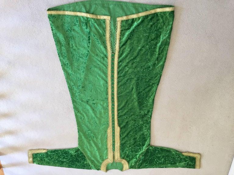 Moroccan Vintage Kaftan Jade Green Velvet and Gold Embroidered Caftan Circa 1970 For Sale 5